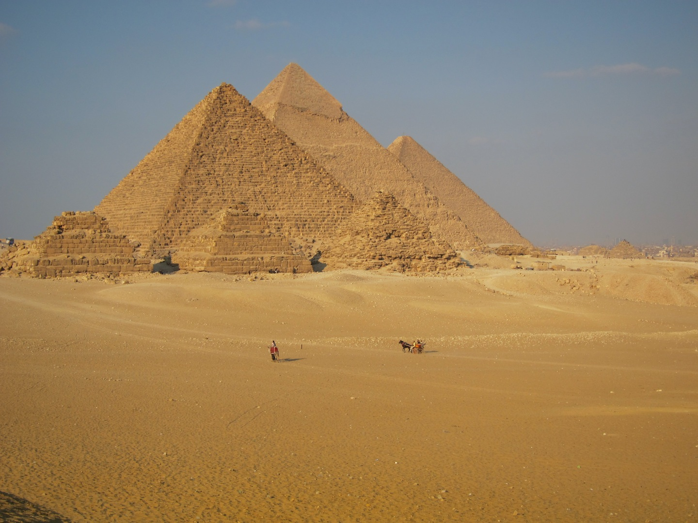 an introduction to the construction of the pyramids in ancient egypt In ancient egypt, pyramids were built during the time of the old kingdom  pyramids were tombs, royal tombs, where the ancient egyptians buried their  kings.